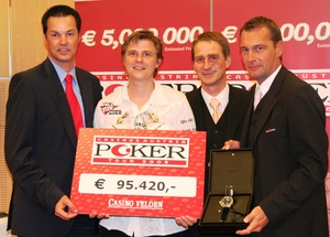 Casinos Austria poker manager Edgar Stuchly, winner of the CAPT Velden Stefan Rapp, and the two Casino Velden poker managers Gerald Golker and Dietmar Printschler (from L to R)