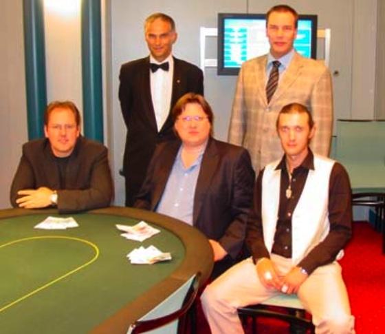 Pokerin talon foorumin arvosteluan