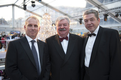 V.l.n.r.: VIAGE General Manager Andrew Webb, Brüssels Bürgermeister Freddy Thielemans und Casinos Austria International CEO Mag. Paul Herzfeld (Foto: Casinos Austria International)