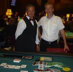 Turniersieger Mauro Raimondi mit Floorman Zeno Hofer.