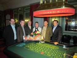 V.l.n.r.: Pers.Ratvors. Pfeiffer, Saalchef Weber, Direktor Lutz, Frau Keller, Tischchef Weber, Techn.Leiter Klabouch