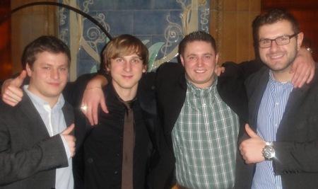 Marco Kalathas (1), Julian Fuchs (3), Stephan Campa (2) und Maskottchen Julian Schultheis
