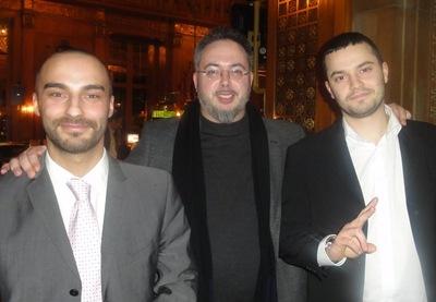Gabriel Endres (1) mit einem Freund und Lyuben Petrov (2)