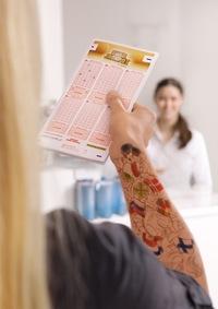 Der Eurojackpot als gestochen scharfes Motiv: Sieben EU-Staaten bilden eine neue, internationale Lotterie mit einem wöchentlichen Jackpot von bis zu 90 Millionen Euro
