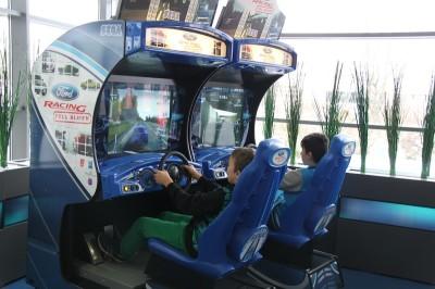 Der beliebte Fahrsimulator Ford Racing Twin begeisterte viele Besucher.