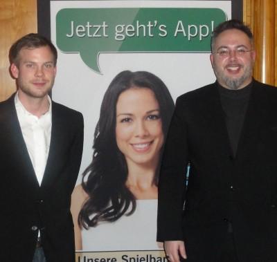 """Christian Füssel (2), Miss """"App"""" und der Turniersieger Igor Bacic"""