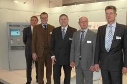V.l.n.r.: Das HESS-Vertriebsteam auf der E-world 2013: Wolfgang Ristau, Carsten Ebeling, Frank Brüning, Günter Miekley und Ulrich Breyer.