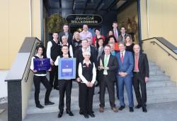 """Das Team des """"Big Cash Casino"""" mit Thomas Schuster, Andy Meindl, Mark Holzinger und Gästen."""