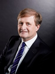 Prof. Dr. Arnold Weissman