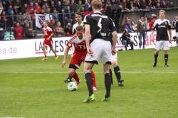 """Fußballprofi Lukas Podolski trat mit seiner Mannschaft gegen """"Per & friends"""" an."""