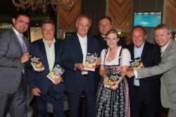 Casinodirektor Hannes Huter, Marcus Wörle, KR Leopold Wedl, Franz Pertl  Casino-Eventmanagerin Martina Wagner, die Herausgeber Fritz Stifsohn und Willy Lehmann