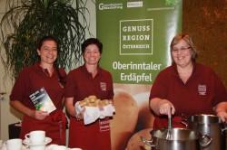 Erdäpfel-Bäuerinnen aus dem Tiroler Oberinntal kredenzten eine ausgezeichnete Suppe