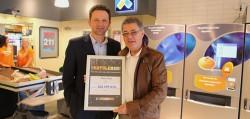Eurojackpot-Gewinner Yngvar Borgersen (rechts) mit Norsk-Tipping Kommunikationschef Roar Jødahl