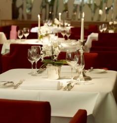 """Fine Dining in edler Atmosphäre – damit überzeugt das """"Palmgarden"""" auch das Gourmet-Magazin """"Der Feinschmecker"""". (Foto: WestSpiel)"""