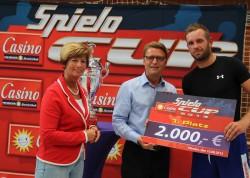 Vive Targi Kielce siegte überlegen beim diesjährigen Cup und sicherte sich damit die Siegertrophäe sowie einen Scheck über 2.000 Euro.