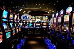 Mehr als 100.000 Euro warten in den Jackpots der Spielbank Duisburg auf die Gäste. Foto: WestSpiel