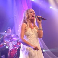 Den Anfang macht Nicole Bolley. Mit ihrer außergewöhnlichen Stimme hat sie schon Take That überzeugt – am 2. November verzaubert sie das Publikum im 2Hundert. (Foto: Kenny Stewart)