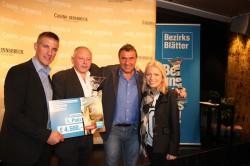 Die Sieger des Hauptpreises Martin Kahr und Walter Pirchner mit Alexander Lener und Carina Mauthner. (Foto: Casino Innsbruck)