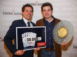 Casinos Austria Pokermanager Stefan Gollubits (l.), Thomas Taubenschuss (Poker EM Champion 2013). (Foto: Casinos Austria)