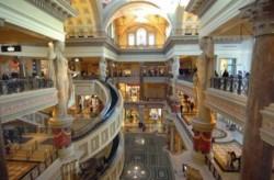 Vom Speedway bis zur glamourösen Shopping-Tour - Es gibt viel zu erleben für Braut und Bräutigam in spe. (Foto: ©Las Vegas News Bureau)