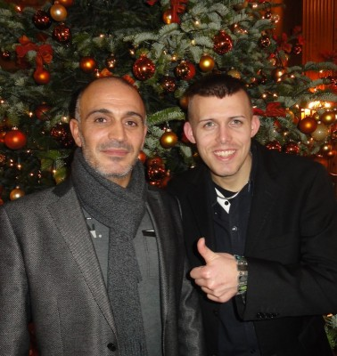 Der Turniersieger Emrullah Turanoglu mit dem Zweitplatzierten