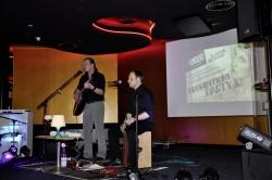"""Die """"&Band"""" live und unplugged im Club 2Hundert"""