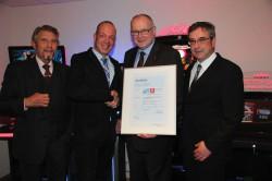 V.l.n.r.: Paul Gauselmann, Thomas Konermann, Dieter Kuhlmann und Günter Schmedeshagen freuen sich über die erfolgreiche Zertifizierung.