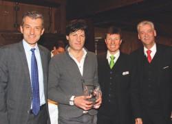 Casinodirektor Ernst Hubmann, Gewinner Paolo Ossanna, Saalchef Romed Wegscheider und Gaming Manager Horst Trefalt. (Foto: Casino Seefeld)