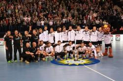 Auch beim Supercup 2013 war das Unternehmenslogo der Gauselmann Gruppe, die strahlend-lächelnde Sonne, prominent auf dem Spielfeld vertreten.