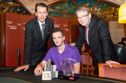 Casino Bregenz Pokermanager Joe Fuchshofer, CAPT Bregenz Sieger Seppi Kogler und Gaming Manager Casino Bregenz, Gerhard Dell-Osbel © Casinos Austria