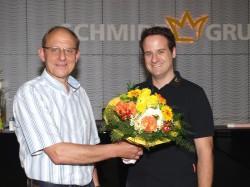 Heinz Fleige gratulierte Patrick Geimer zur bestandenen Prüfung Automatenfachmann.