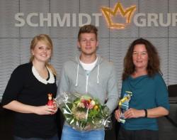 Anna Wieschues und Nadja Beer gratulierten Lars Ivanusic.