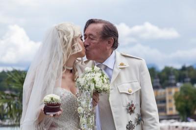 Ing. Richard Lugner & Cathy Schmitz in der Wedding Chapel. (Foto: Simone Attisani Photography)