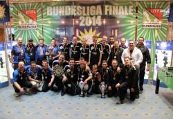 In der Deutschen Tischfußballbundesliga sicherte sich das Team der KGB Hannover (M.) den Meistertitel, Platz zwei ging an Wild Card Wiesbaden (l.), Platz drei belegte TFBS Koblenz (r.).