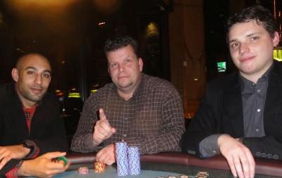 V.l.n.r.: Platz 3, der Sieger Jan Mannsfeld und Platz 2