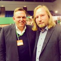 V.l.n.r.: Georg Stecker, Sprecher des Dachverbandes Die Deutsche Automatenwirtschaft e.V. und Anton Hofreiter, Fraktionsvorsitzender Bündnis 90/ Die Grünen.