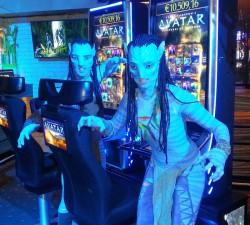 Na'vi Warriors enthüllten am 13.12.2014 die neuen AVATAR™ Glücksspielautomaten in der Spielbank Stuttgart.