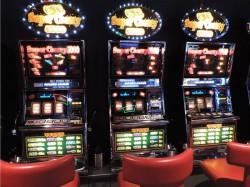 Der Gewinnerautomat Nr. 2604, Super Cherry 5000 (Mitte)
