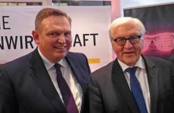 V.l.n.r.: Georg Stecker (DAW), Frank-Walter Steinmeier, Bundesaußenminister