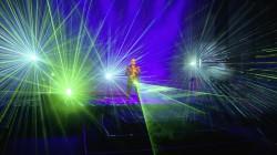 """""""The Ultimate Show"""" in der Spielbank Hohensyburg: Mit dem """"Lord of Saxophone"""" Gentleman Dee und vielen anderen spektakulären Künstlern. (Foto: Dick Bömer / Fotograf Dirk Joswig)"""