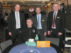 V.l.n.r.: Eugen Kress (Poker Palace), Sinisa Bodrozic, Tom Strobel (Swiss Casinos Schaffhausen), Martin Frank (Poker Palace).