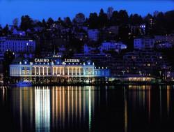 Das Grand Casino Luzern befindet sich direkt am Vierwaldstättersee.