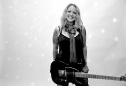 Eindrucksvolle Rock- und Pop-Songs aus Kanada – Sarah Smith begeistert am 2. Mai live in der Spielbank Hohensyburg. (Foto: Cheryl Mazak)