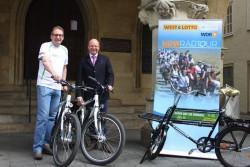 Münsters Oberbürgermeister Markus Lewe und WestLotto-Geschäftsführer Theo Goßner
