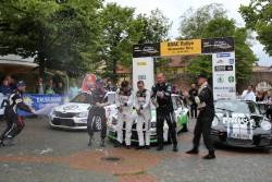1. Platz (Mitte) Fabian Kreim und Christian Frank, Skoda Auto Deutschland GmbH, 2. Platz (links) Mark Wallenwein und Stefan Kopczyk, Wallenborn Motorsport, 3. Platz (rechts) Rainer Noller und Marcus Poschner, Born2Drive.