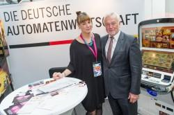 Von rechts nach links: Wolfgang Kubiki (stellv. FDP-Parteivorsitzender), Christine Kroke (Presse- Referentin DAW)