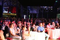 Tausende Besucher ließen sich, wie hier im Veranstaltungssaal, mitreißen vom fulminanten Festprogramm der Spielbank Hohensyburg. (Foto: Fotocruz)