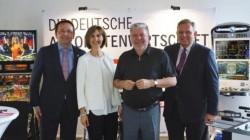 Wolfgang Götz (1. Vorsitzender Automatenverband RLP), Astrid Götz Kurt Beck (Ministerpräsident a.D. u. Vorsitzender der FES), Georg Stecker (Vorstandssprecher DAW)