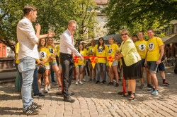 """Gaben den Startschuss für """"Catch the Sixty"""" in Freiburg: Lotto-Geschäftsführerin Marion Caspers-Merk und Bürgermeister Ulrich von Kirchbach. (Foto: Lotto Baden-Württemberg)"""