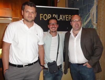 (Der Zweitplatzierte Frank Alt (li.) mit dem Erstplatzierten Simon Horlacher (Mitte) und dem Viertplatzierten F. R. (re.)